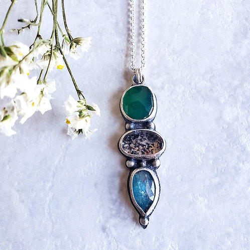 gem totem: green onyx, super seven, blue moss kyanite