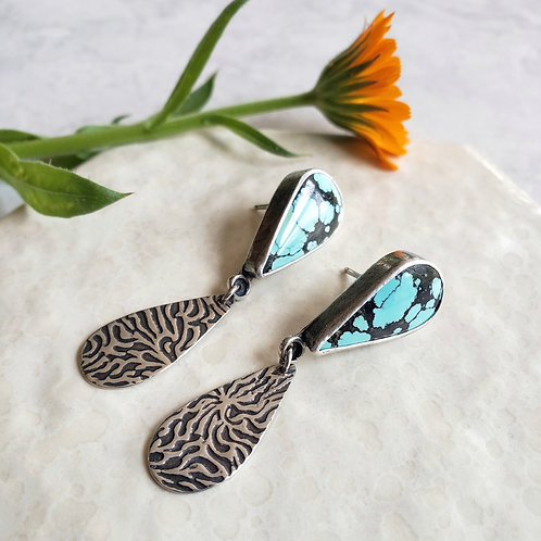 turquoise dragonfly stud: black vein
