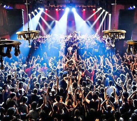 """Η Βαρκελώνη δημιουργεί νέο σύστημα """"100% Covid-Free"""", για Clubbing """"όπως παλιά"""" !"""