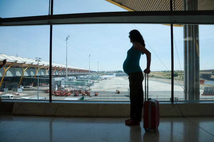 Dicas e cuidados para viajar durante a gravidez