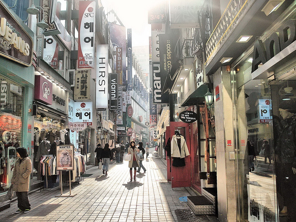 55946_south_korea_seoul_shopping_street.
