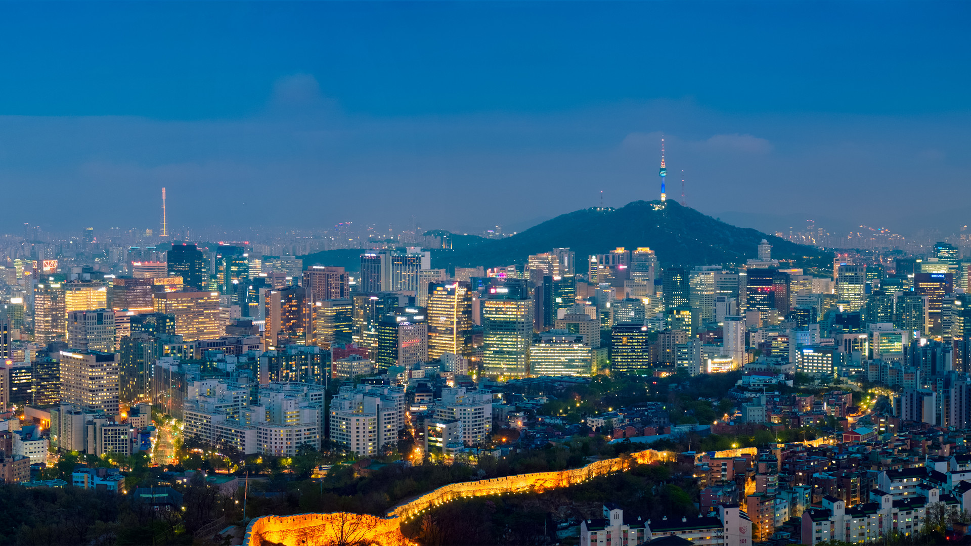 seoul-skyline-in-the-night-south-korea-P