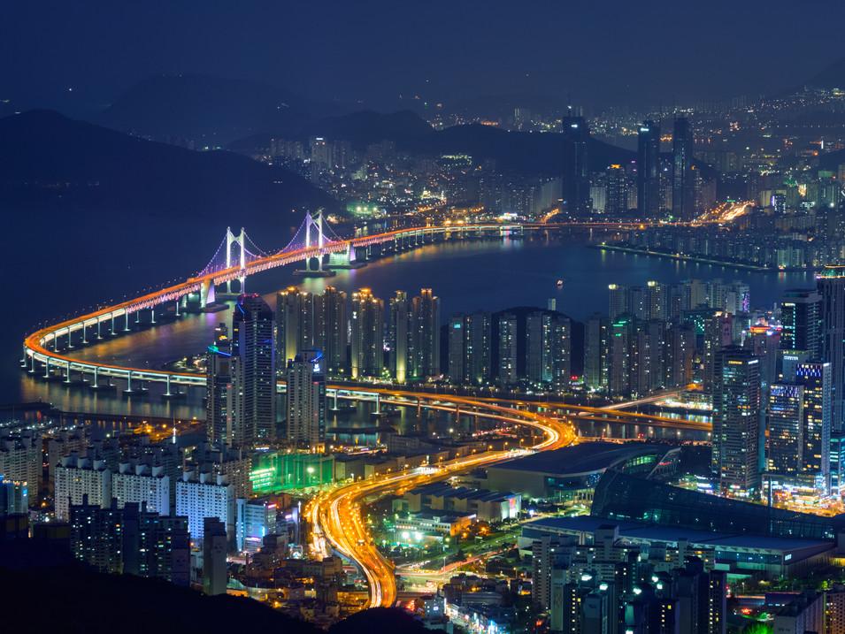 busan-cityscape-gwangan-bridge-at-night-