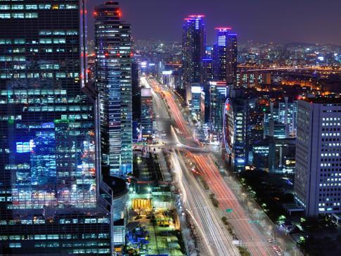 seoul-at-night-PGX69KM.jpg