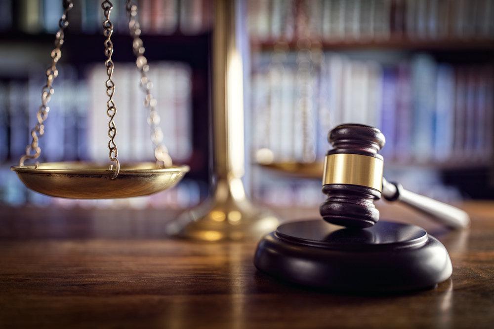 Bail, travail, famille, poursuites