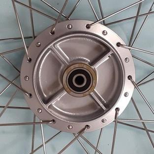 Yamaha YB100 Rear Wheel Hub