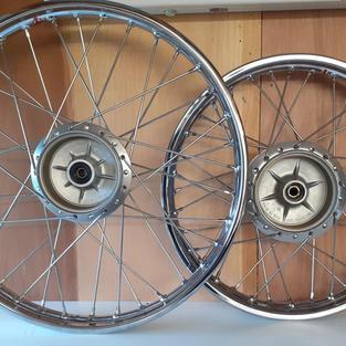 Kawasaki KE125 Wheels