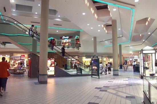 greenacres-shopping-centre.jpg
