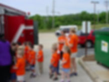 kids visiting Eureka fire protection district