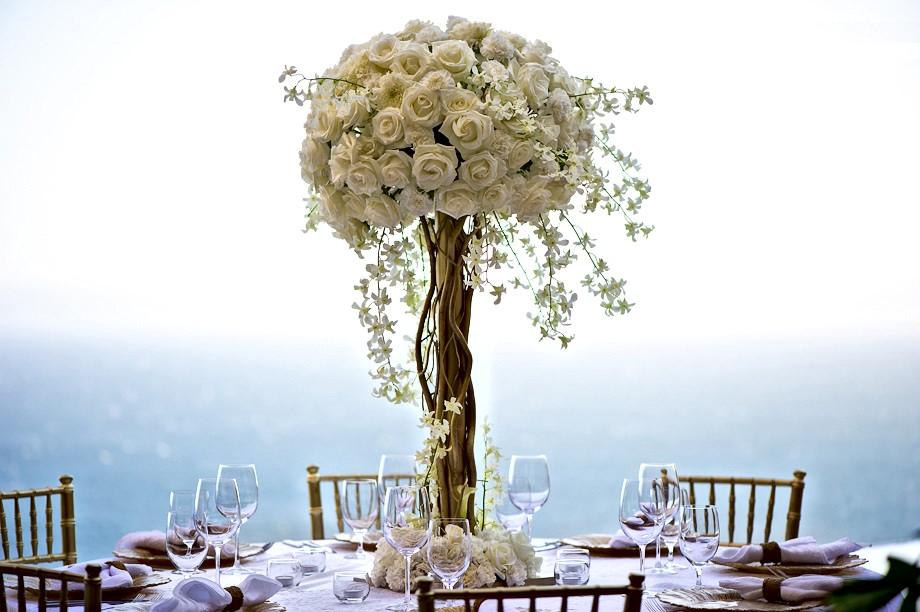 Bride & Groom Table, white roses