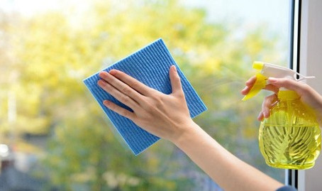 7 Window Cleaning Tips For That Special Sparkle