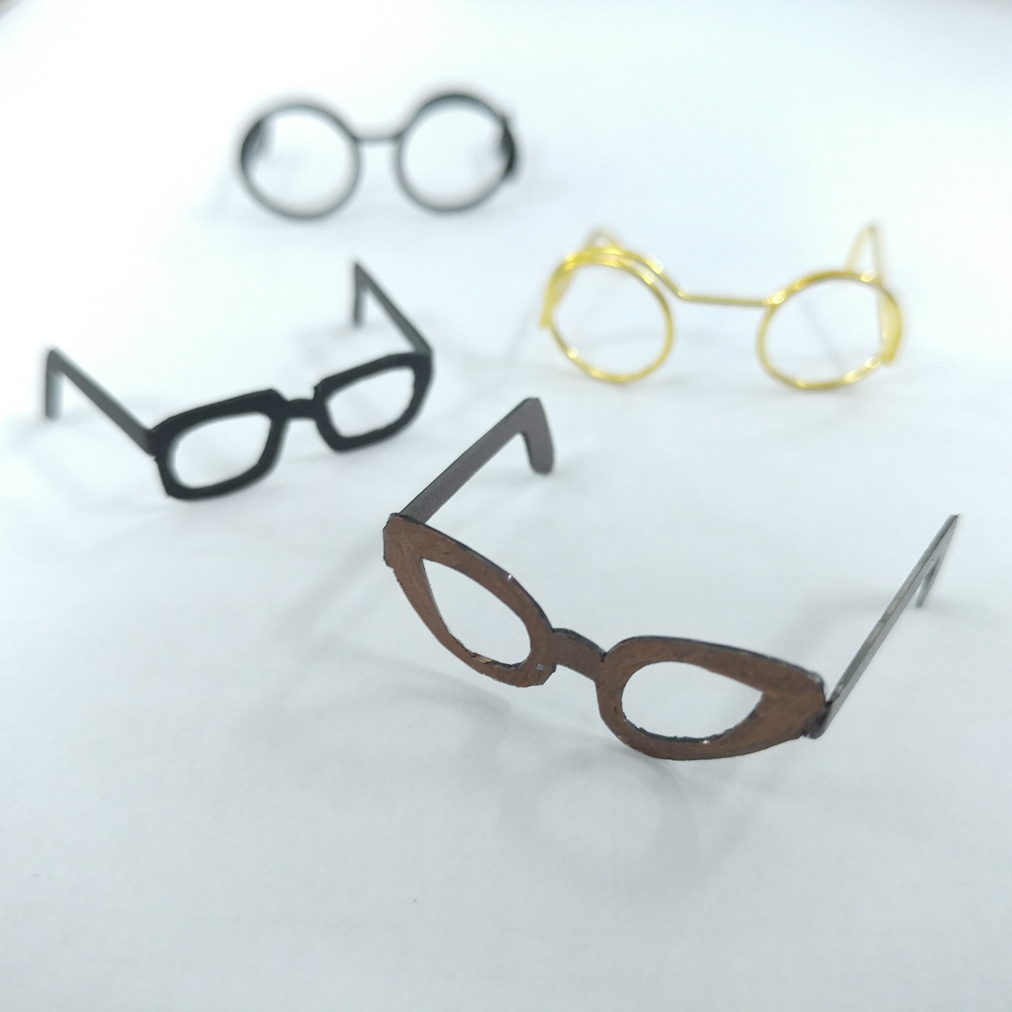 Spectacles Without Glasses