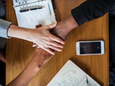 Primes indexées sur la satisfaction client : les bonnes pratiques managériales