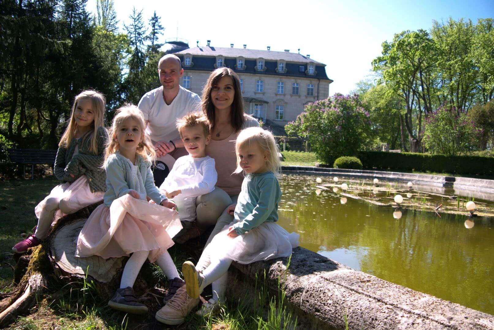 Familie Frank am Teich Schloss Craheim