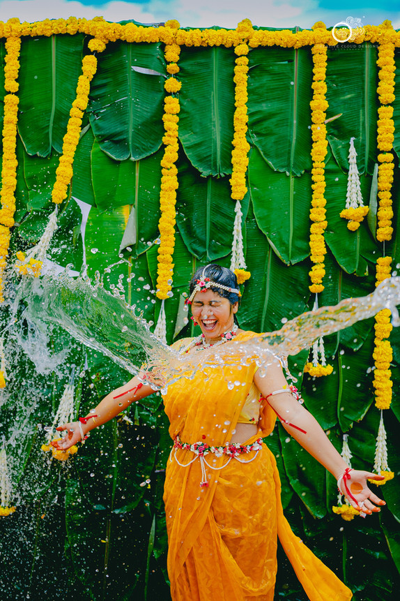Mid Day Haldi Details | The Perfect Blend Of Tradition And Fun