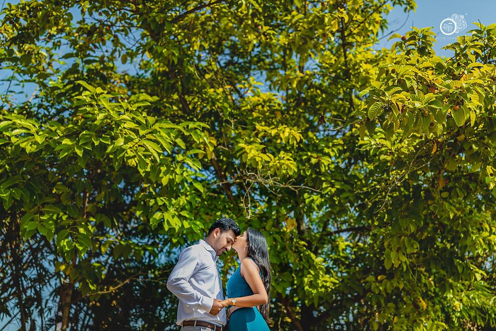 beautiful-couple-stills-in-pre-wedding-shoot