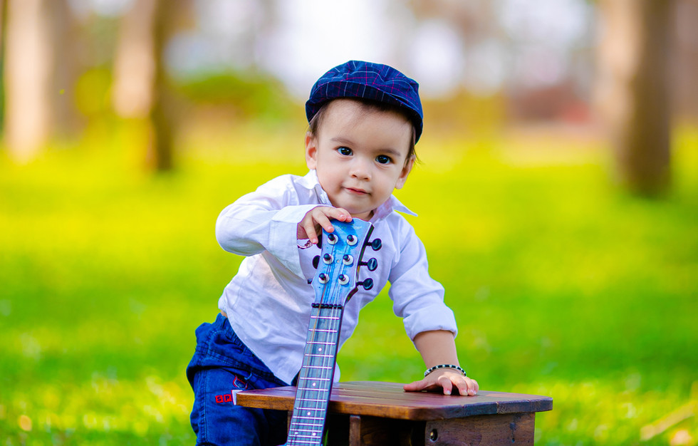 baby-boy-portrait-photography-guitar-the