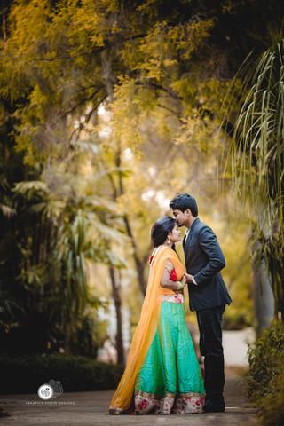 SANTOSH YADAV + PRIYANKA PRE-WEDDING-OUTDOOR-PHOTOGRAPHY-PROFESSIONAL-SHOOT  (7).jpg