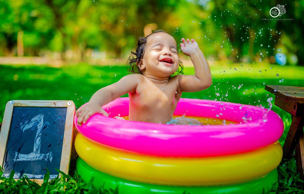 ahnika-baby-photography-bathtub (2).jpg