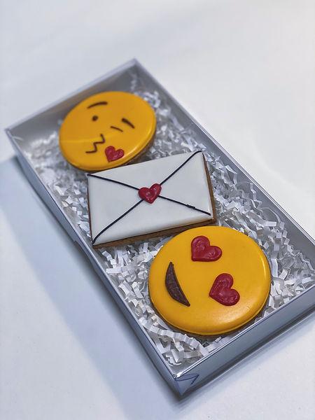 Подарок на день всех влюбленных | Наборы пряников LAVAL COOKIES