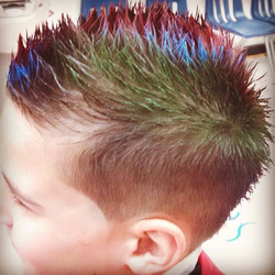 Getting to the end of the school year, time for summer fun cuts! #lilpros #allprobarbers #allpro_bar