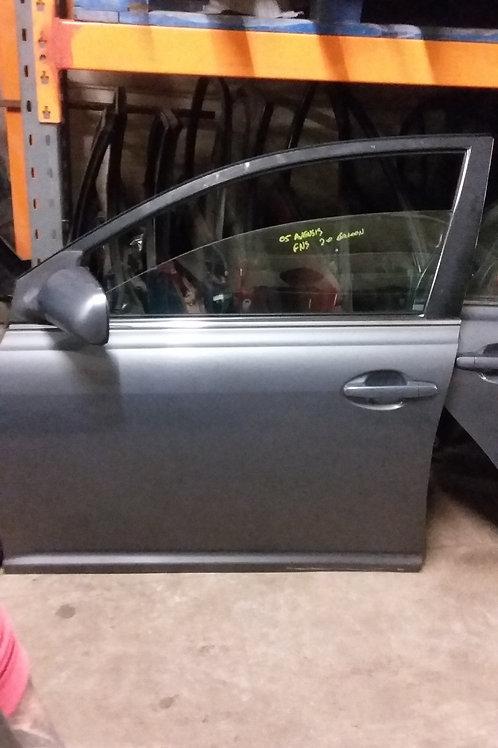 Avensis front passengers side door n/s