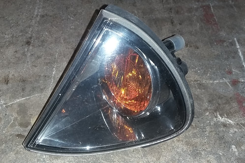 Toyota Avensis mk1 (facelift) nearside light indicator lens