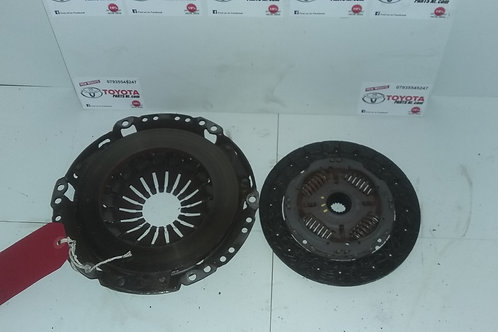 Aygo clutch and pressure plate kit 1.0vvti (genuine Toyota with 26k)