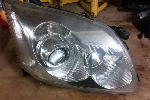 Avensis offside headlight lens  03 - 06