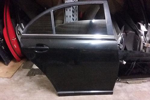 Avensis rear drivers side door o/s hatchback in black 03-09