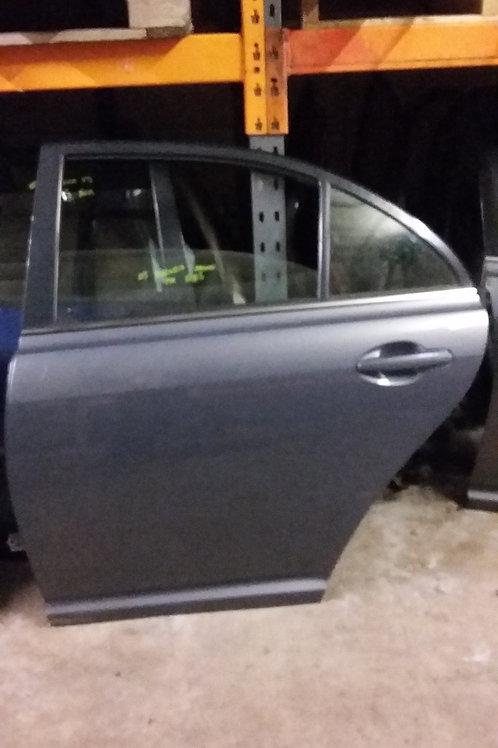 Avensis rear passengers side door n/s saloon