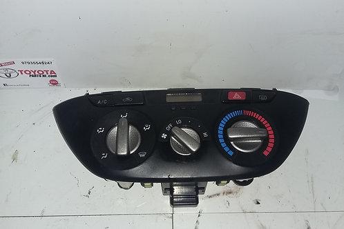 Rav4 heater control unit / clock 2.0 d4d 02-06