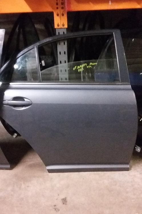 Avensis rear drivers side door o/s saloon