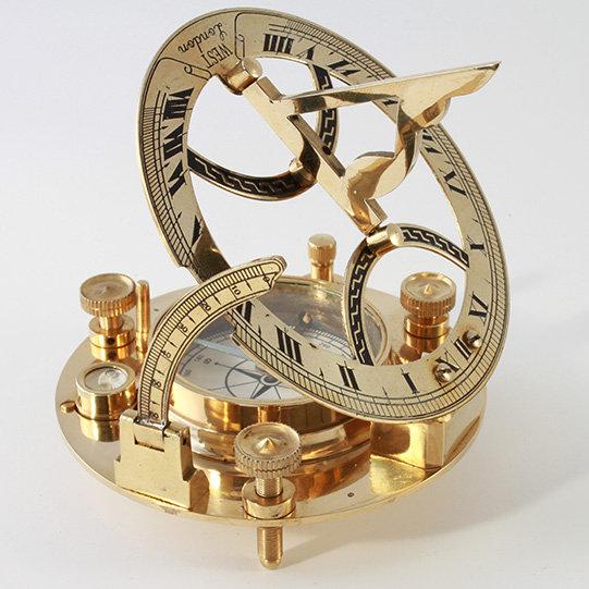 "4.5"" Sundial Compass by Clipperlight - © Nick Gravenor"