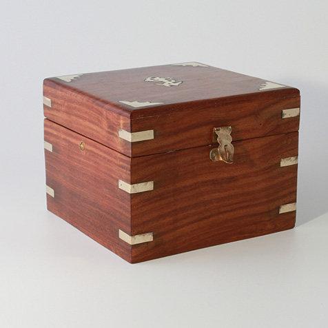 Sheesham Wooden Box by Clipperlight - © Nick Gravenor