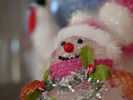 クリスマスの飾り付けはじめました