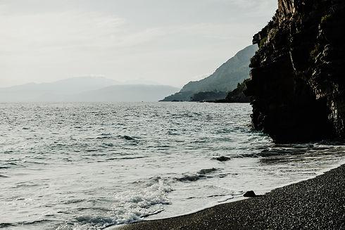 gabriella-clare-marino-o8FU--se6bg-unspl
