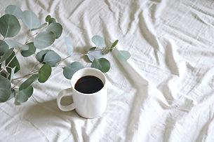 ceramic-mug-with-coffee-1405761.jpg