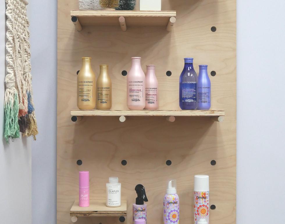 peg shelf 1.png