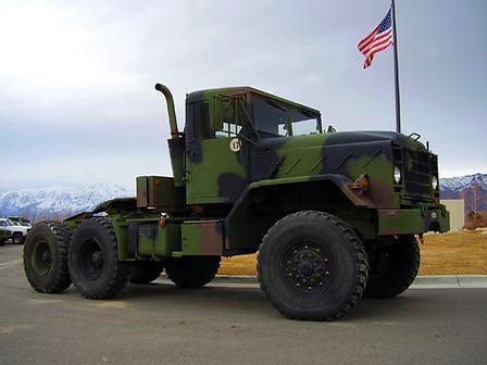 900 Series 5 Ton Tractor