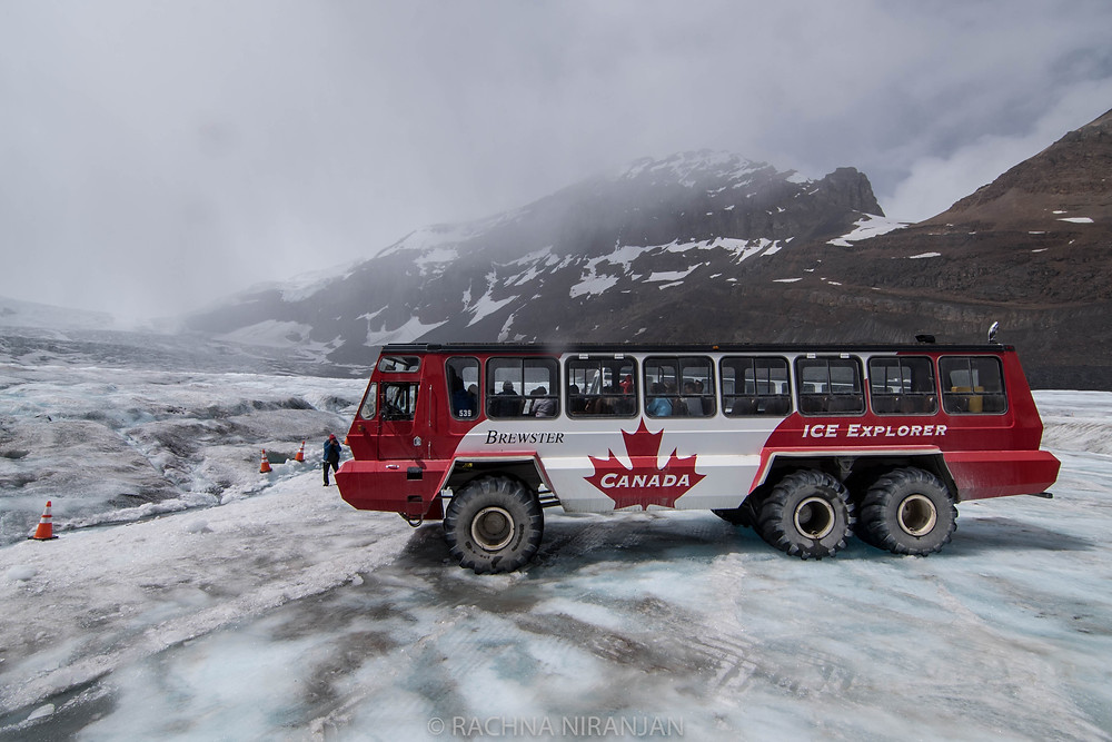 The special bus that takes us on the glacier.