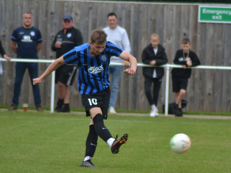 Long Eaton striker Gale seals Mansfield Town move