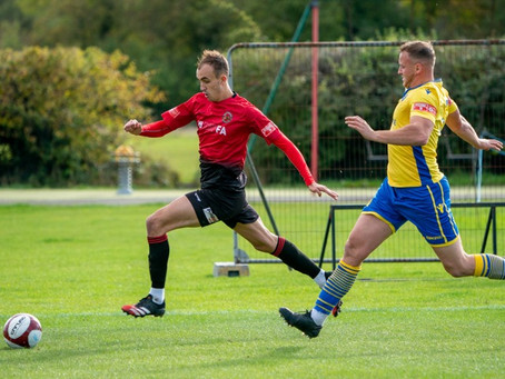 REPORT: Mickleover are too good for league leaders