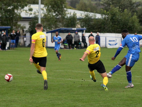REPORT/HIGHLIGHTS: Glossop secure first win of the season