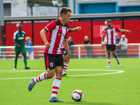 Ten-man Robins prove too strong for Bedworth