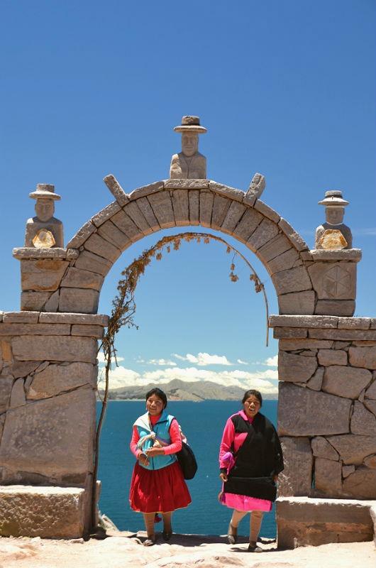 Piger fra Taquile.jpg
