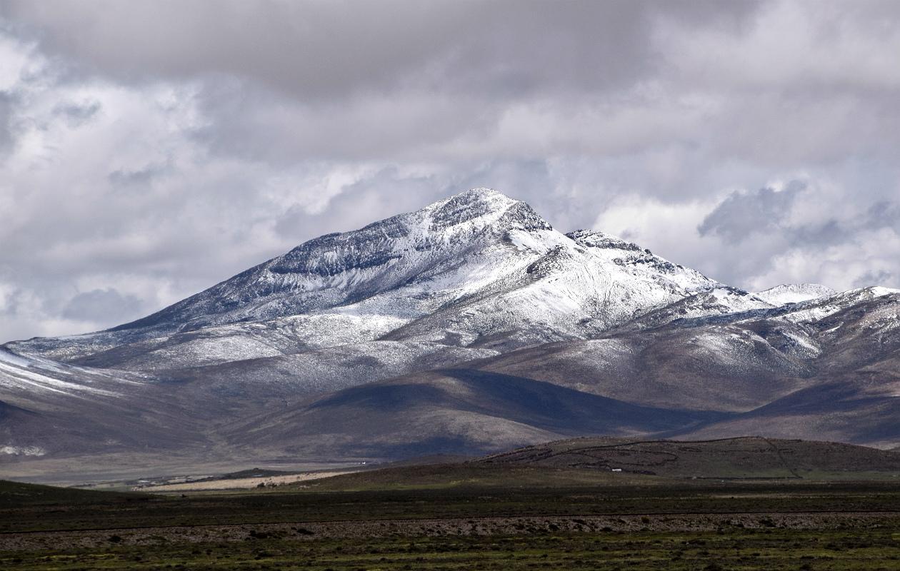 Snedækket bjerg ved Imata