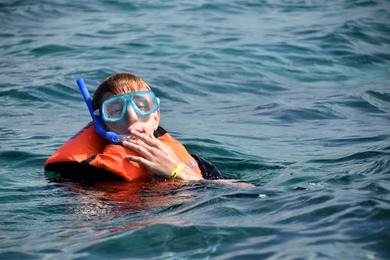 Arvid snorkler