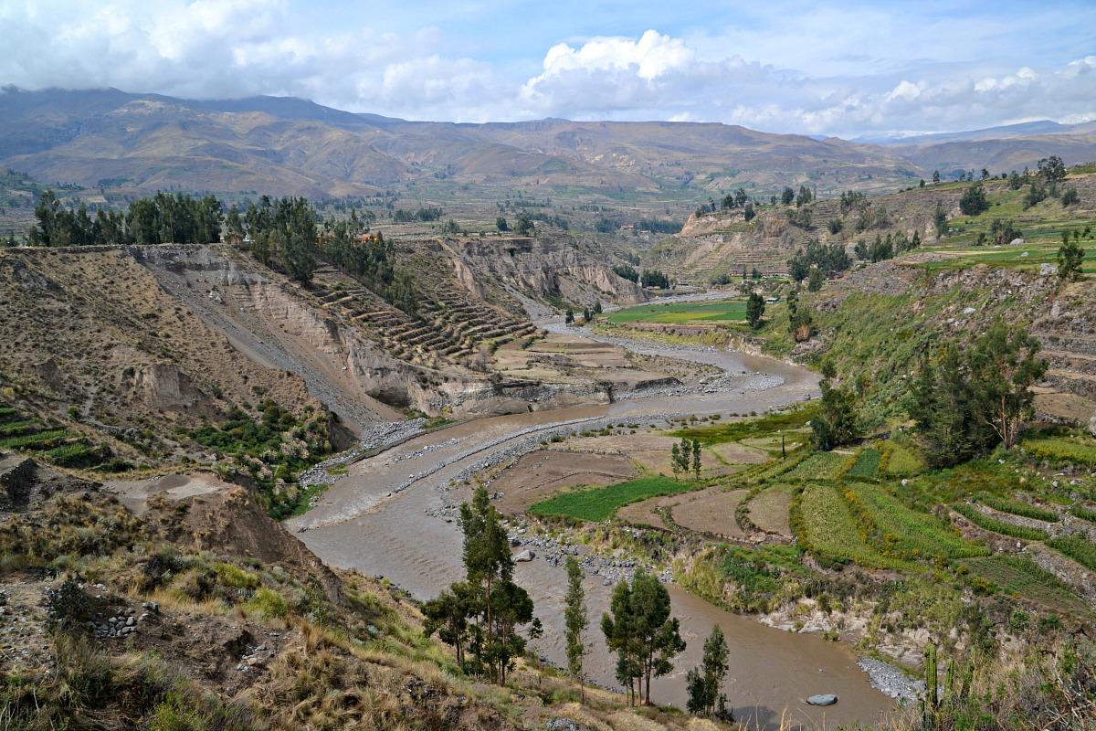 Udsigt Colca-floden fra Yanque
