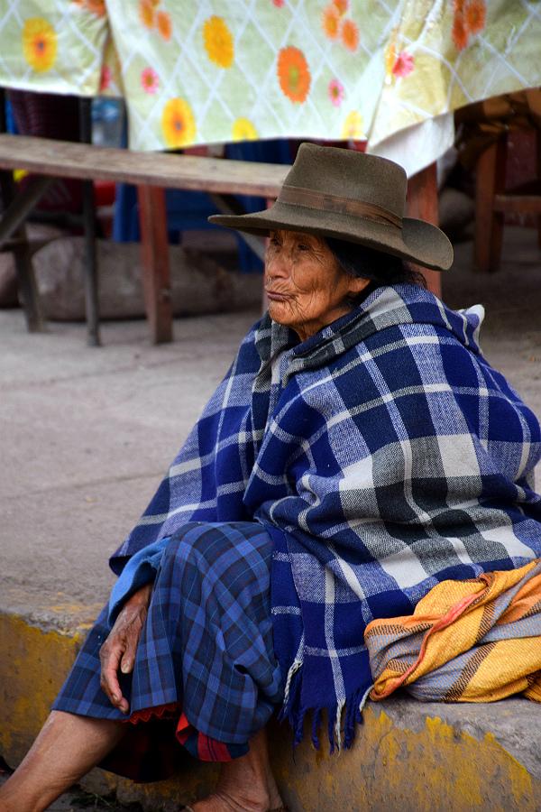 Kvinde fra landsby syd for Cusco